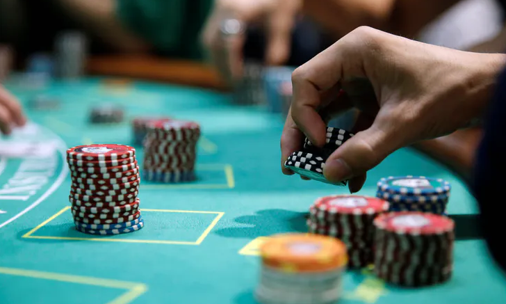 Popular Casino Game that You Can Access to Earn Extra Money